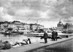 Arkistolähde: TMK. Helsinki,Kauppatori, 1900 -luvun alku. Helsinki, Past, Street View, Black And White, Historia, Finland, Past Tense, Black N White, Black White