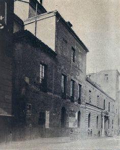 1895. Calle de Atocha. Antiguo convento de la Trinidad.   Flickr: Intercambio de fotos