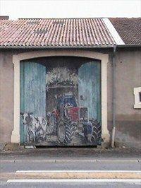 La porte du village de Jeandelize (Lorraine) - Garage Door Art on Waymarking.com