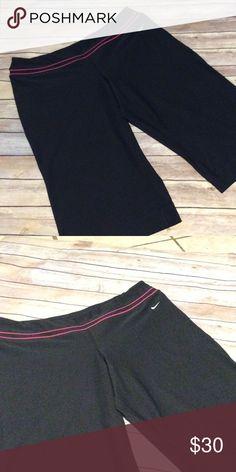 Nike plus size capris Size 2x. Black nike plus size Capri. Dri fit. Pink piping at waistband. Nike Pants Capris