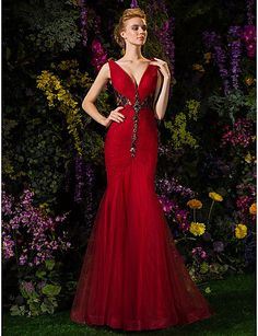 Trumpet/Mermaid V-neck Sweep/Brush Train Lace And Tulle Evening Dress (2092561) – USD $ 149.99