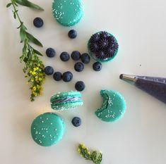 loveliegreenie Types Of Cherries, Sweet Soup, Macaroons, Cookie Decorating, Cookies, Desserts, Cupcakes, Aqua, Turquoise
