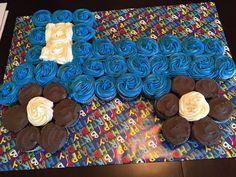 Little Blue Truck Birthday Party. Little Blue Truck cupcake cake. Little Blue Truck cake Truck Birthday Cakes, Tractor Birthday, Blue Birthday, Birthday Cupcakes, Birthday Fun, First Birthday Parties, First Birthdays, Birthday Ideas, Tractor Cupcakes
