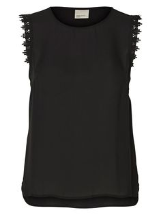 Don't know what to wear for work? Try this feminine top from VERO MODA.