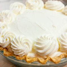 Looking to make whipped icings like the bakery that don't turn into a melty mess on your beautiful cake? Stabilized Whipped Cream is your answer! Stabilized Whipped Cream Frosting, Keto Whipped Cream, Homemade Whipped Cream, Best Banana Pudding, Banana Pudding Recipes, Strawberry Whip Cream Recipe, Recipes With Whipping Cream, Cream Recipes, Marshmallow Creme