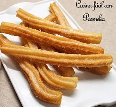Cómo hacer churros caseros Sweet Desserts, Sweet Recipes, Cake Recipes, Colombian Food, Tasty Videos, Wie Macht Man, Pan Dulce, Latin Food, Mexican Food Recipes
