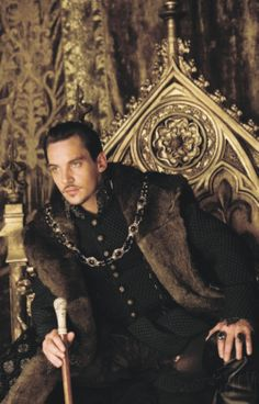 THE KING WATCHING OVER THE COURT PROCEEDINGS OF HIS ANNULMENT.  King Henry from the Tudors