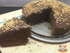 La torta alla nutella è un dolce semplicissimo da realizzare. Ottimo da mangiare con nutella spalmata sopra o semplicemente così.