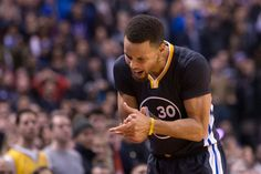 Curry encesta 44, Warriors extienden invicto; Towns anota 27 puntos y 12 rebotes en derrota Minnesota