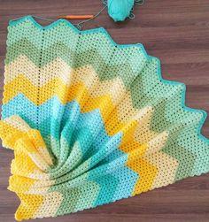 Bugün kendimi yarımlarımı tamamlamaya adadım mutlu pazarlar Ip : Alize Happy Baby Tığ : 2.5 mm Örnek : Crochet granny ripple blanket pattern yazarsanız yapılısı ile ilgili ingilizce videolar bulabilirsiniz... #örgüfikirleri#örgü#tığisi#crochet#crochetblanket#crochetbabyblanket#bebekbattaniye#bebekbattaniyesi#örgübattaniye#colorful#10marifet#hanimelindenorgu#battaniye#colorful#love#handmade#bebekhediyesi#bebekhazirligi#bebekçeyizi#crochetersofinstagram#craftastherapy#babyblanket#croc...