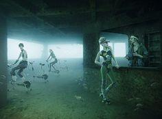 Scene di vita quotidiana sott'acqua 6