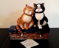 Comic Curious Cats: A Fine Romance figurine