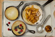 Crêpe au four allemande (Dutch Baby) German Pancakes, Pancakes And Waffles, Breakfast Recipes, Snack Recipes, Cooking Recipes, Brunch, Crepe Cake, Spiced Apples, Apple Recipes