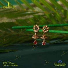Beautiful earrings to adorn you. Gold Jhumka Earrings, Jewelry Design Earrings, Gold Earrings Designs, Gold Chain Design, Gold Bangles Design, Gold Jewellery Design, Gold Earrings For Women, Gold Jewelry Simple, Beautiful Earrings
