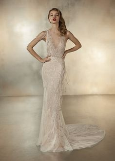 Dancing Lights: The new Pronovias 2020 collection we& been waiting for is here! - Pronovias Wedding Dresses The collection we were eagerly waiting for is here! Lace Wedding Dress, Wedding Dress Trends, Bridal Dresses, Wedding Gowns, Wedding Blog, Wedding Ceremony, Pronovias Bridal, Pronovias Wedding Dresses, Golden Dress