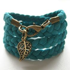 """Wrap Bracelet made from old T-Shirt? Well, it just so happens, I have a """"few"""" old t-shirts! Jewelry Crafts, Jewelry Bracelets, Handmade Jewelry, Wrap Bracelets, Braided Bracelets, Leather Bracelets, Pandora Bracelets, T Shirt Bracelet, Diy Bracelet"""