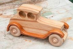 Making Wooden Toys, Handmade Wooden Toys, Wooden Toy Trucks, Wooden Car, Wood Toys Plans, Diy Toys, Toys For Boys, Kids Furniture, Woodworking Projects