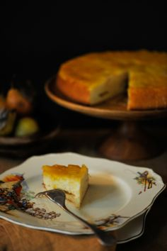 Upside Down Saffron Pear Cake    (adapted from Martha Stewart – yields 6-8 slices)