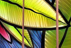 ESCULTURA ABSTRATA DE METAL NAPAREDE  Este tipo de obra é pouco expressivo no Brasil mas bastante apreciado lá fora como escultura abstrata de metal para paredes.  O efeito holográfico é obtid…
