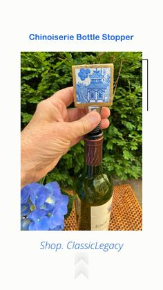This blue Chinoiserie marble wine bottle stopper is handmade in the Classic Legacy studio. The edges are gold leaf. It is the perfect gift for a wine lover and blue and white lover. Wine Bottle Stoppers, Wine Bottle Crafts, Custom Wine Bottles, Wine Carrier, Wine Cocktails, Chinoiserie Chic, Wine Storage, Wine Gifts, Hostess Gifts