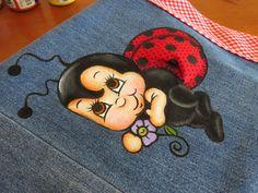 Mariana Santos Arts: March 2014