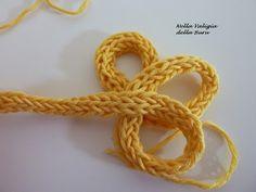 Nella valigia della Buru: TRICOTIN: Ecco come si usa - TUTORIAL Base e creazione di Fiori Viking Knit, Friendship Bracelets, Knit Crochet, Weaving, Tutorial, Knitting, Usa, Jewelry, Mandolin