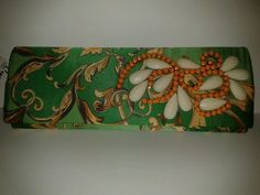 Carteira estampa de lenço bordado