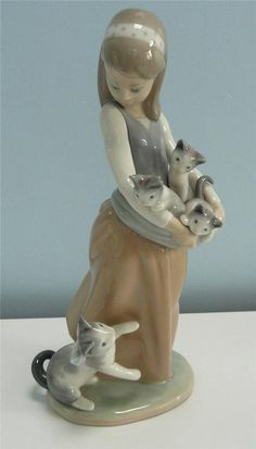 """Lladro Figurine #1309 """" Following Her Cats """" . Girl With Her Kittens #Figurines"""