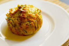 I flan di zucca e porri sono dei tortini di verdure gustosi e saporiti, perfetti per la vostra dieta vegana e ideali per una cena fra amici.