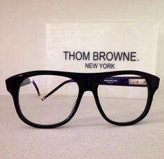 Thom Browne 008 A55 #newyork #handmade #japan @_sunglassisland @thombrowneNY #thombrowne #sunglassisland #sunglasses #eyewear #lapalma #luxury #highend #islascanarias www.sunglassisland.es