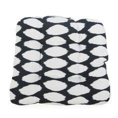 Coral Coast Lakeside Wicker Chair Cushion Black Oval Ikat - M083-PC132-BLACKOVAL