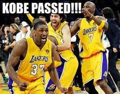 Kobe Bryant: Los Angeles Lakers Shooting Guard's 15 Funniest Memes Rangliste Kobe Bryant Memes Lakers Memes, Funny Nba Memes, Funny Basketball Memes, Football Memes, Basketball Quotes, Basketball Pictures, Funny Humor, Basketball Stuff, Girls Basketball