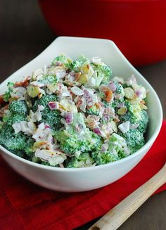 The BEST Broccoli Salad - tasty, simple, and perfect for picnics or as a quick side. It's also low carb, not that you could tell by the taste! Low Carb Broccoli Salad - Easy Keto Recipe - The Low Carb Diet Tammy Patrick tntpat Healthy Recipes The B Salad Recipes, Diet Recipes, Healthy Recipes, Party Recipes, Recipies, Vegetarian Recipes, Delicious Recipes, Snack Recipes, Cooking Recipes