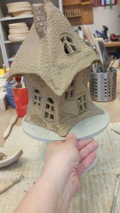 Ceramic Pottery, Pottery Art, Ceramic Art, Pottery Ideas, Clay Houses, Ceramic Houses, Houses Houses, Clay Fairy House, Fairy Houses