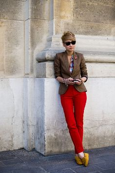 Love the color combo, inspiration for those J. Crew red pants.