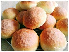 Vizes zsemle | Betty hobbi konyhája Hamburger, Bakery, Food And Drink, Bread, Products, Hamburgers, Bakery Business, Bakeries, Breads
