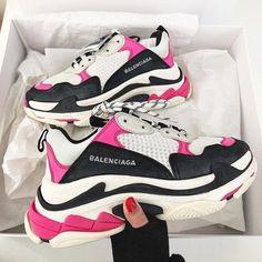 New in | shopping | pink | balenciaga | shoes | triple s | on trend | dad sneakers | black | white | hot | unboxing | woman | girl | buy now | add to cart | style | ootd | styling