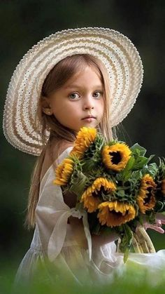 Kids Discover Photography Portrait Children Sweets 69 New Ideas Girl Pictures, Girl Photos, Baby Photos, Cute Pictures, Children Pictures, Little Girl Photography, Children Photography, Portrait Photography, Photography Flowers