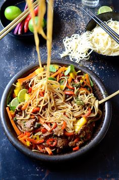 Looking for a quick midweek supper that tastes better than take outs? This Spicy beef stir fry with sweet peppers and mango is the answer. Stir Fry Ingredients, Lamb Curry, Mango Recipes, Beef Stir Fry, Skirt Steak, Supper Recipes, Stuffed Sweet Peppers, Catio, The Fresh