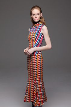 Talbot Runhof Pre-Fall 2014 Collection. Not quite a fan of the print but the cut of this dress. Stunning.