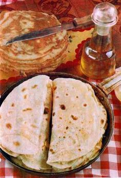 What Ogodai might eat for breakfast (qistibi, similar to a Tatar quesadilla).    Image from Wikimedia Commons, released into the public domain by its author, Aydar Ghaliakberov.