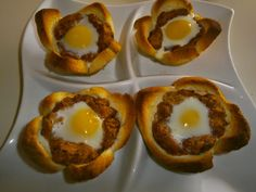 AMarte à mesa: Crocante de alheira com ovos de codorniz                                                                                                                                                                                 Mais