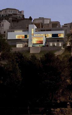 House in Las Casuarinas by Javier Artadi
