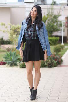 look camisa xadrez e saia bota ankle moda fashion borboletas na carteira-5