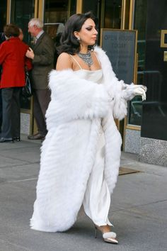 I love Fur and Ladies in Fur Lady Gaga Outfits, Lady Gaga Fashion, Fur Fashion, Fashion Photo, Fashion Outfits, Lady Gaga Pictures, Female Friends, Denim Outfit, My Idol