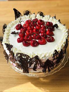Tort Pădurea Neagră cu jeleu de cireșe, frișcă și ciocolată – Chef Nicolaie Tomescu Cake, Desserts, Food, Tailgate Desserts, Deserts, Food Cakes, Eten, Cakes, Postres
