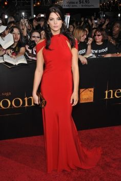 Ashley Greene  #redcarpet #celebrity #fashion #style #actress #celebrities #red #gown #dress
