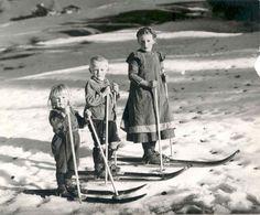 Alpine Skiing, Snow Skiing, Old Photos, Vintage Photos, Ski And Sun, Vintage Ski Posters, Ski Chalet, Ski Fashion, Vintage Winter