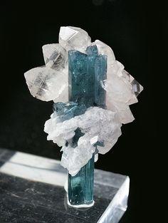 Elbaite & Quartz (excellent) - Barra de Salinas, Coronel Murta, Minas Gerais, Brazil / Mineral Friends <3