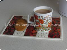 Quilting as you go mug rug. Make it a little larger and its a placemat Quilt as you go mug rug tutorialQuilt as you go mug rug tutorial Quilting as you go mug rug. Make it a little l…Quilt as you go mug rug tutorial Quilt-As-You-Go Mug Rug Tutorial! Quilting For Beginners, Quilting Tutorials, Quilting Projects, Sewing Projects, Sewing Tutorials, Quilting Ideas, Sewing Crafts, Sewing Diy, Free Sewing